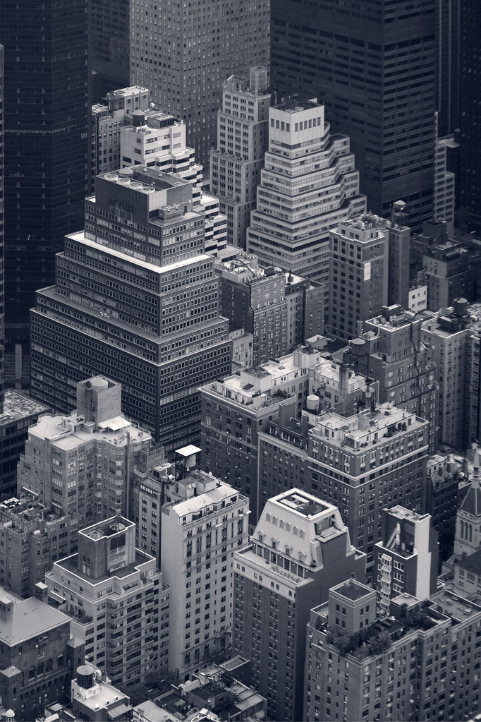 """<b>GOTHAM N°1</b><br><a href=""""/app/module/webproduct/goto/m/m10cb3b08230698e2"""" ; style=""""color:#49bfc0;"""" target=""""_blank"""">Disponible à la vente</b><alt=""""photographie d'art cadre photo décoration bureau architecte ville toits newyork gratte ciel buildings"""""""
