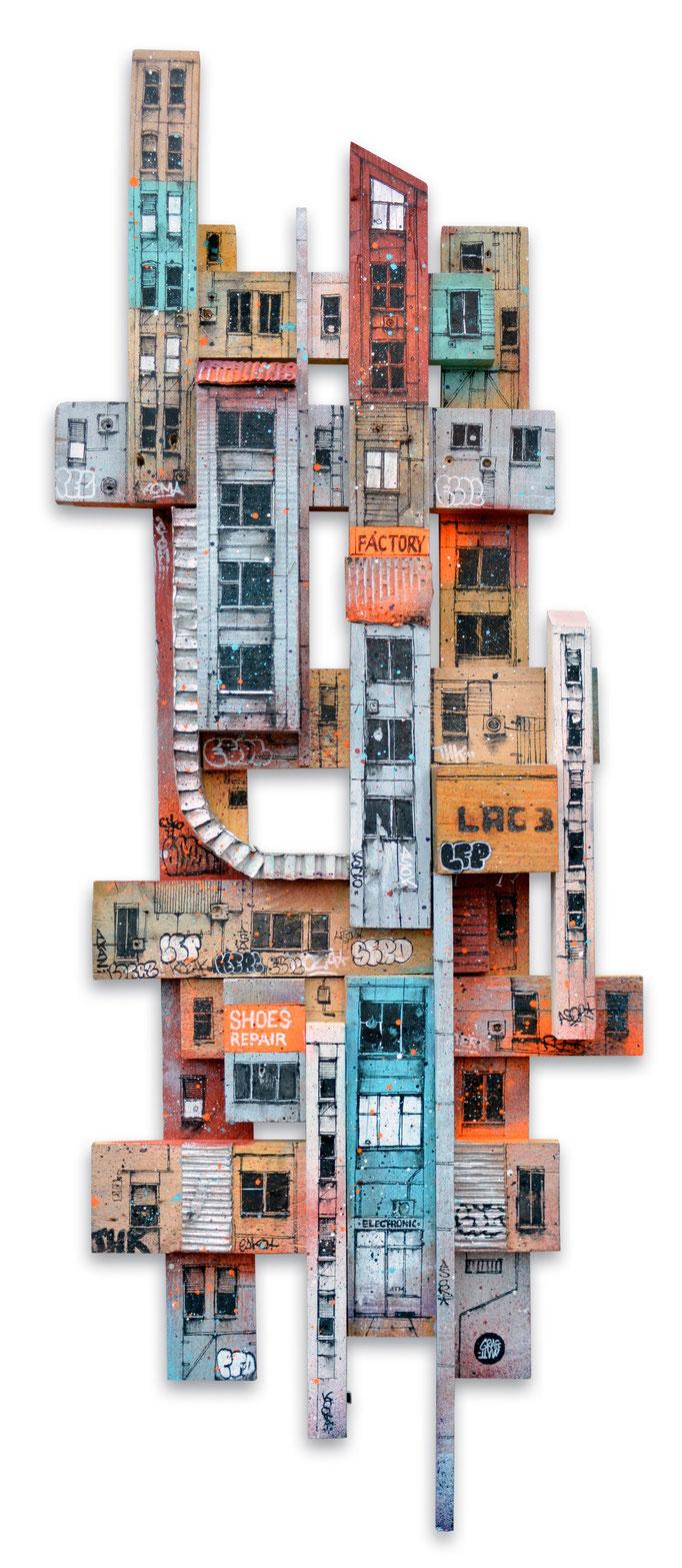 """<b>WOODEN TOWER</b><br>130 x 48 cm<br><a style=""""color:#db6464;"""">Vendu</br></a><alt=""""art peinture streetart urbain ville sculpture urbaine contemporain bois palette"""">"""