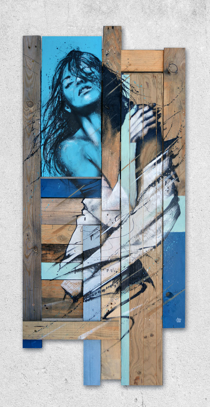 "<b>BEHIND THE WIND</b><br>138 x 62 cm<br><a href=""https://www.graffmatt.com/contact/mail-tableau"" ; style=""color:#49bfc0;"" target=""_blank"">Disponible</b><alt=""art peinture streetart portrait femme bois palette graffiti galerie art chambéry>"