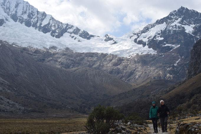 wunderschöne Gletscher und Bergwelt