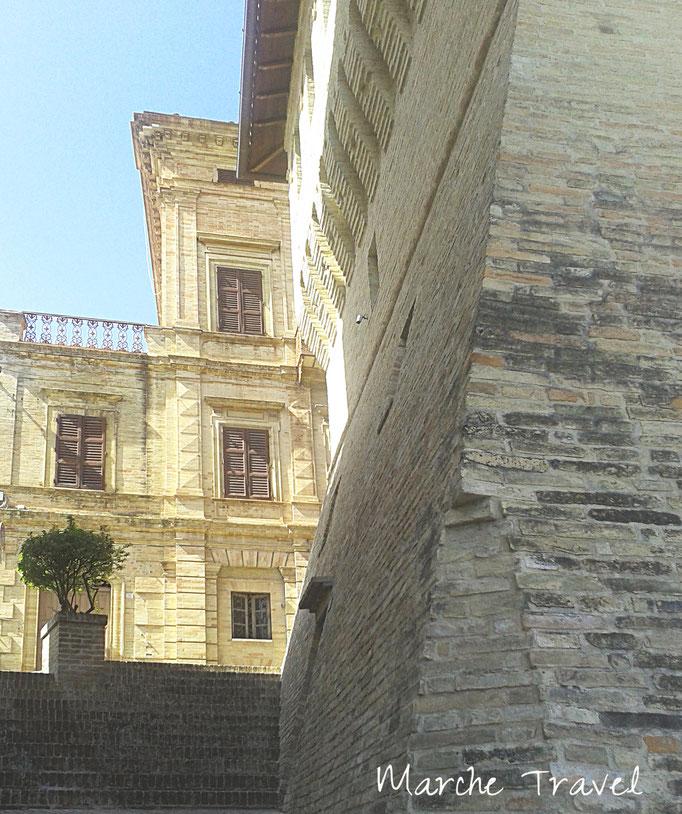 Scorcio su Corso Carradori, Montefano