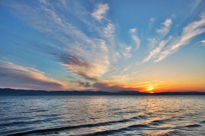 Am nächsten Tag der Sonnenaufgang über dem See