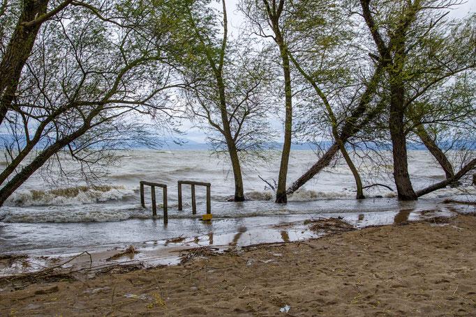 Hochwasser am Campingplatz Listro in Catiglione di Lago