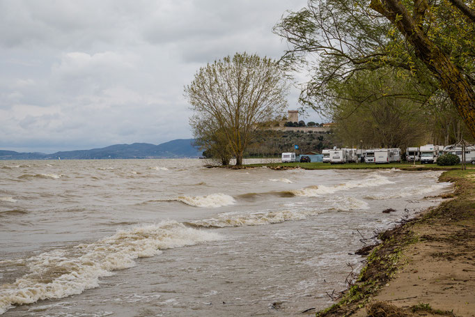 Der Lago Trasimeno ist eben voll