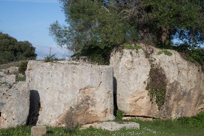 So wurden die Säulen aus dem Fels gehauen