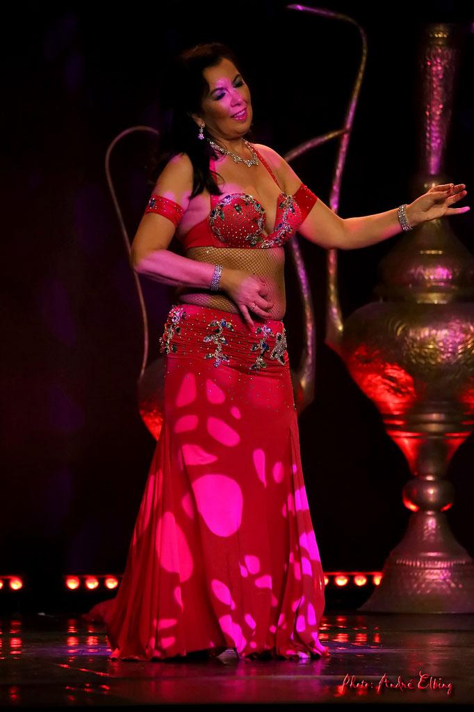 Sina Oriental on stage