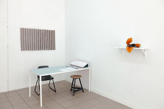 Ulrich Schreiber · Muster 56, Eisen, geschweißt, 2015 – Gabriele Künne · o sole mio Raku-Keramik glasiert, 2015