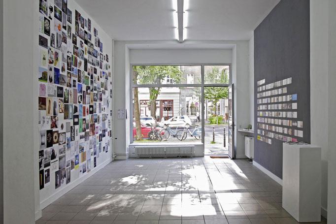 """""""100"""" Postkarteninstallation zur Finissage"""