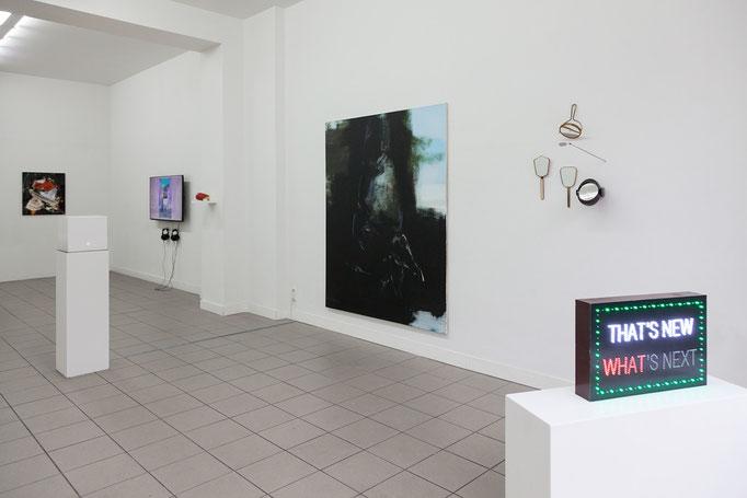 GIER - Ausstellungsansicht, im Vordergrund Benjamin Badock · Thats New Whats Next, 2014