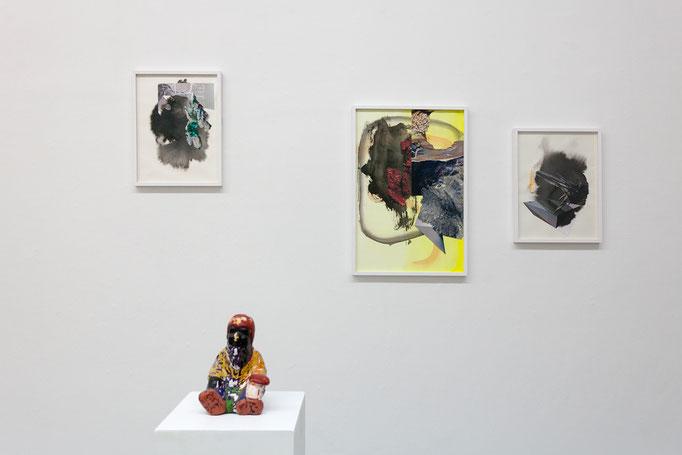 Maja Rohwetter · Gemischte Gefühle 1–5 Collagen, Photo, Papier, Öl auf Papier, 2017 / 2018 und Erika Plamann · Mustapha · Wachs, Pigmente, Ton, Gips, 2015