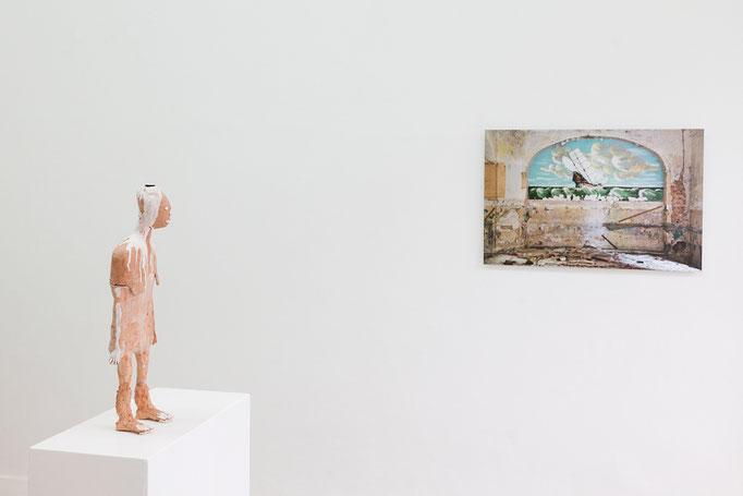 vLnR.: Susanne Ring · kleine Frau, Kaisu Koivisto (Liepaja, Lettland) aus der Serie Landscapes of Longing
