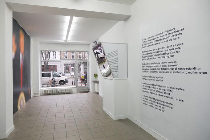 """""""zurückbleiben!"""", Exhibition view"""