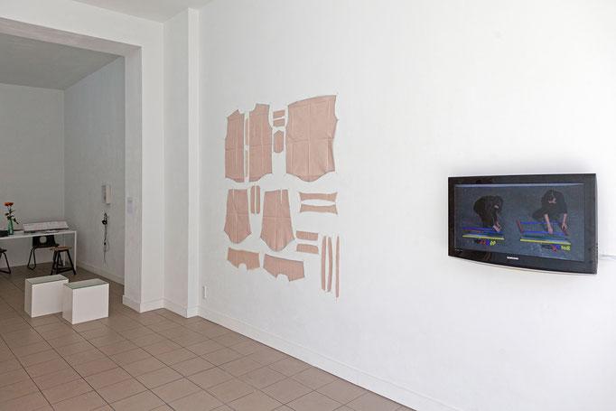 Barbara Müller · skinn (I) 21 teilig, 180 x 180 cm, Stoff, Acryl, 2016 | Josina von der Linden und Barbara Müller simple stuff #1, #2 Video, Dauer: 20 min, 32 sec, 2017