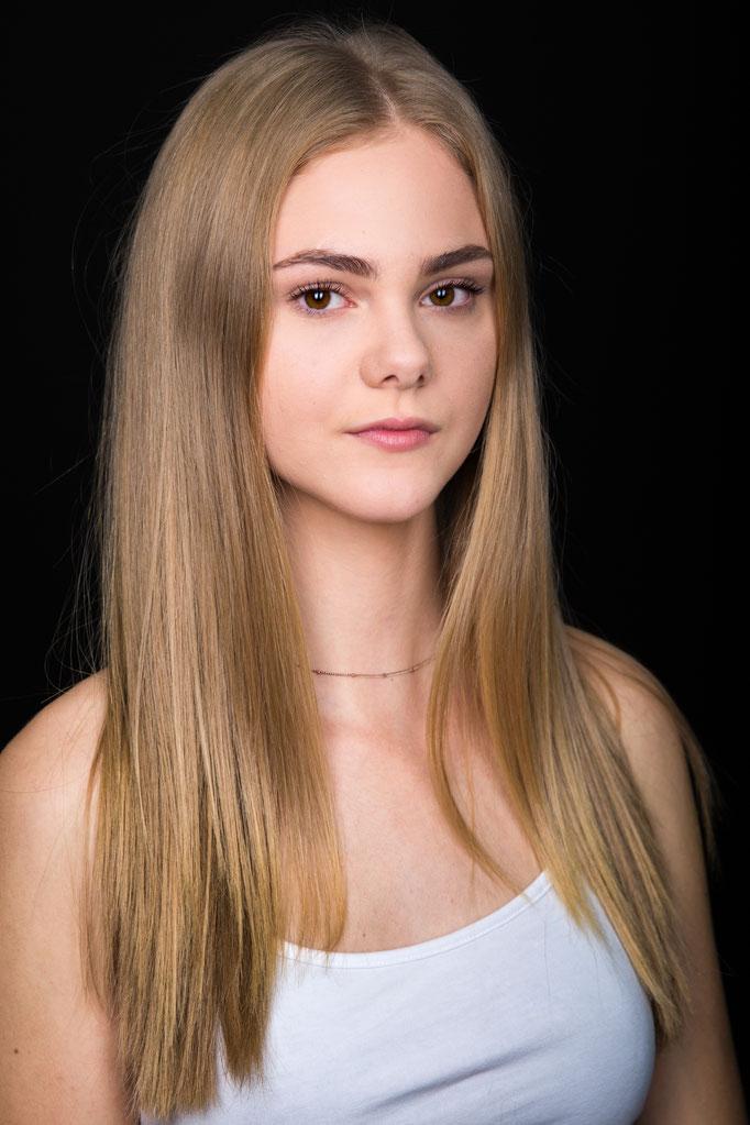 Tamara F. - Model, Makeupartistin, Fotografin