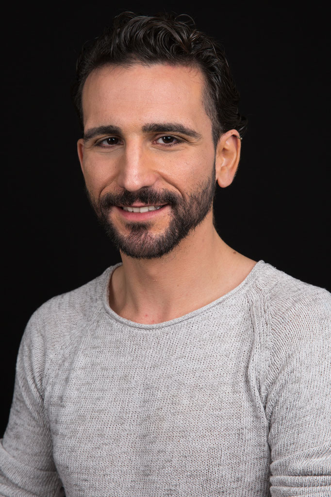 Roberto V. - Makeupartist, Hairstylist, Model