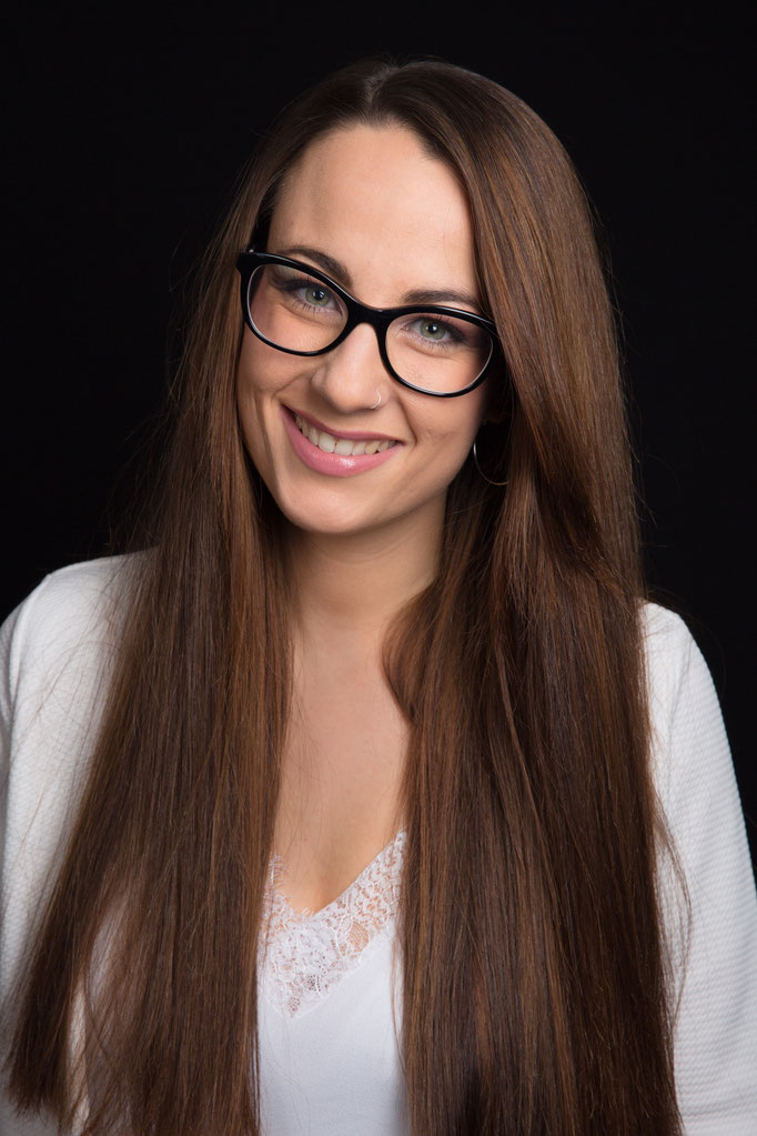Lea C. - Makeupartistin