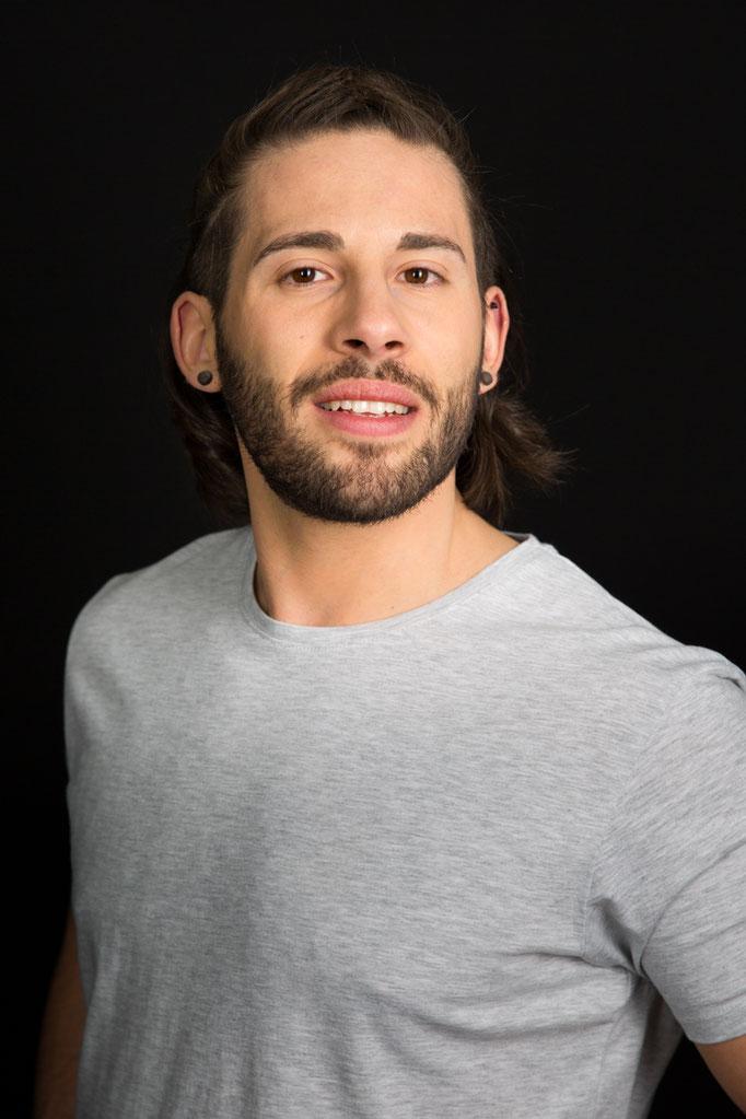 Mario V. - Model