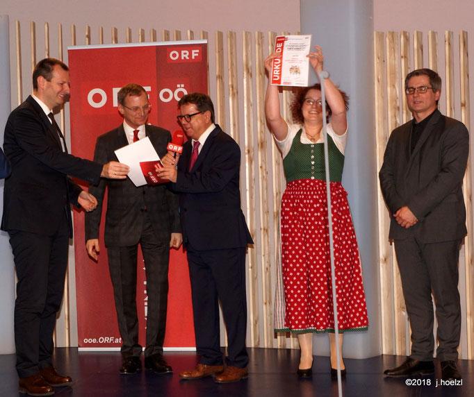 Die Singgemeinschaft Maria Neustift gewinnt den Hauptpreis der Energie-AG - eine Schifffahrt am Wolfgangsee