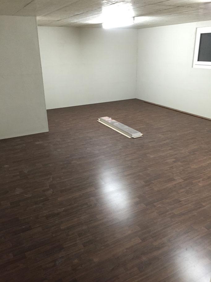 vinyl laminat mit kork amazing klick with vinyl laminat. Black Bedroom Furniture Sets. Home Design Ideas