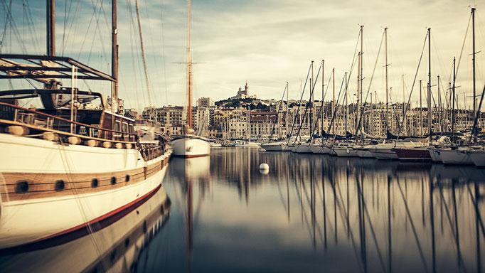Port Marseille et Notre-Dame de la Garde, Marseille. Provence-Alpes-Côte d'Azur. France 2015