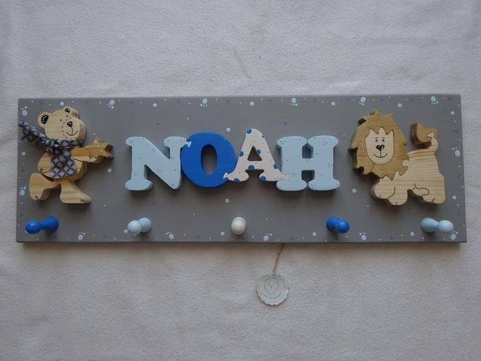 Bär stehend - NAME - Löwe naturbelassen