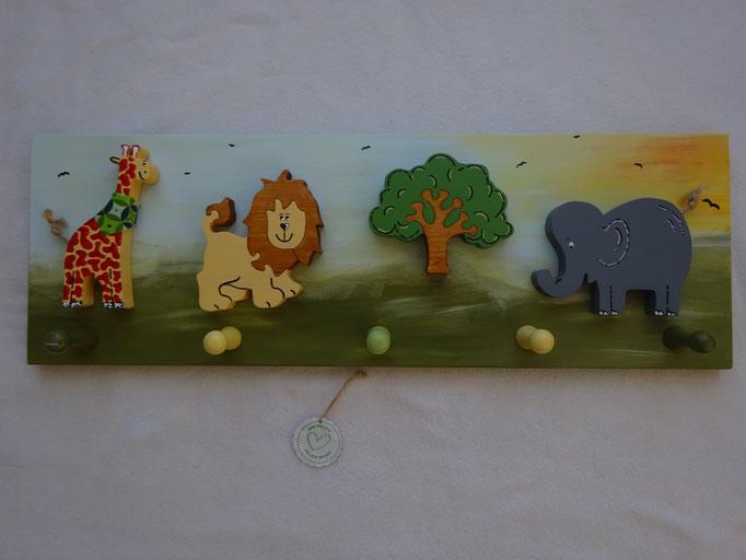 Giraffe stehend - Löwe - Baum - Elefant klein