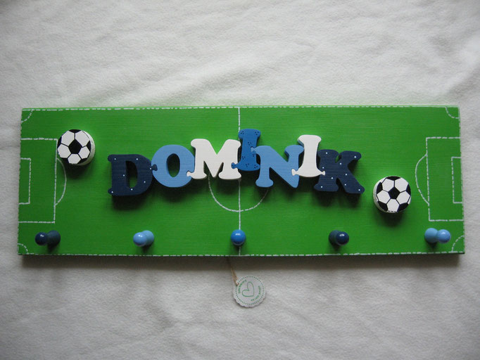 Fussball - NAME - Fussball auf Fussballfeld