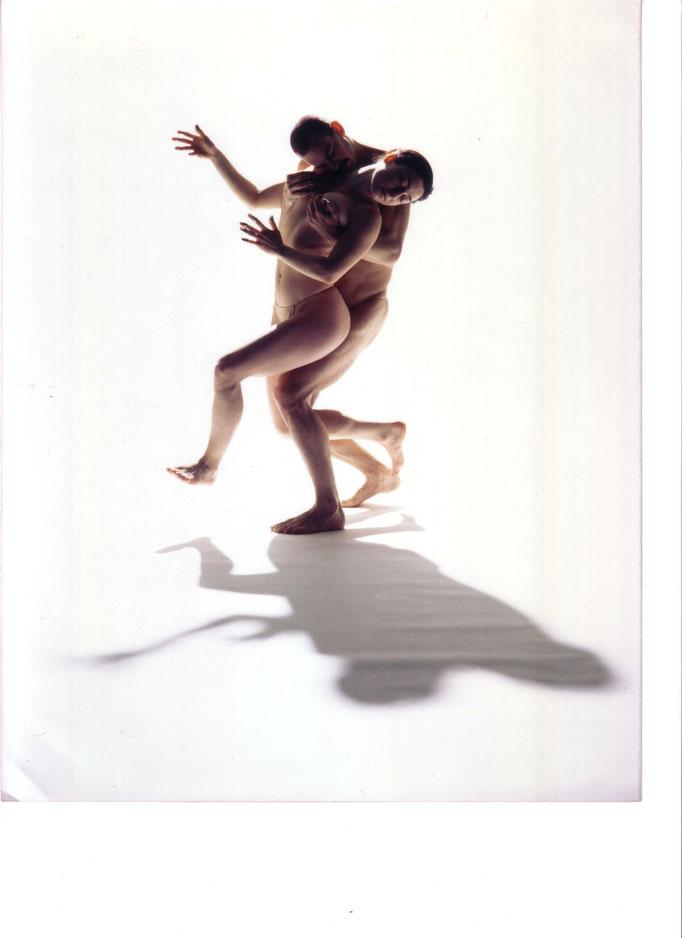 photo : Michael Slobodian | dancers : Louis Gervais, Mathilde Monnard