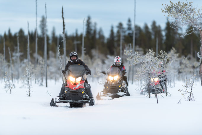 Auf Tour mit den Schneemobilen