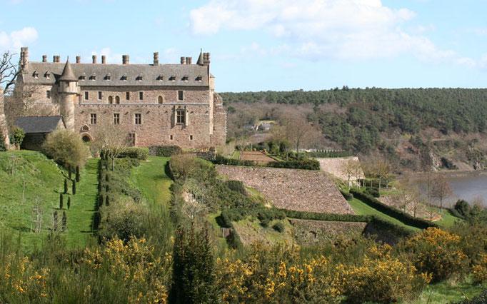 Le château de la Roche-Jagu et ses jardins en terrasses