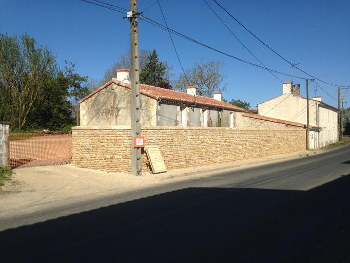 construction mur de clôture à Luçon