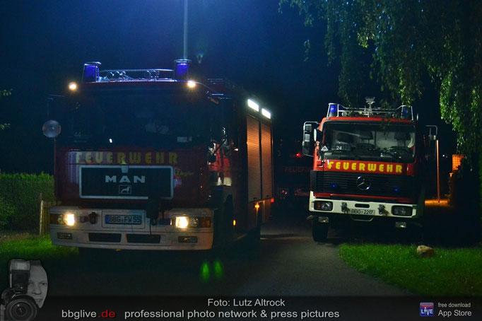 Kameraden der Feuerwehr Bernburg leisten technische Hilfe