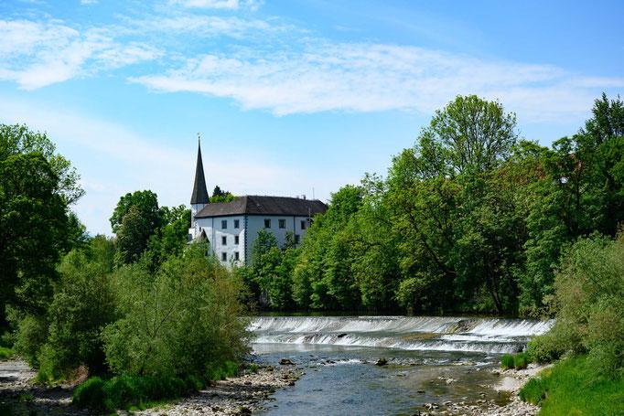 entlang der Traun Blicke auf Schloss Pertenstein
