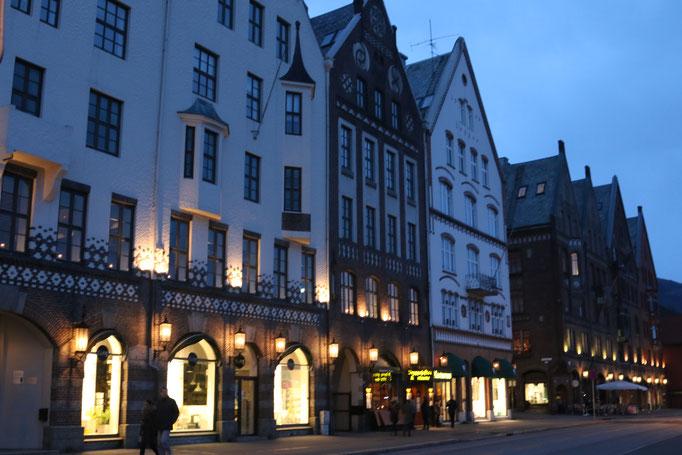 Bergen by night Hansehäuser