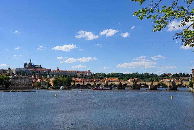Karlsbrücke über die Moldau