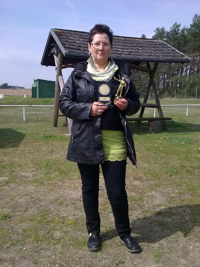 Karin Schön 1. Platz KK Kurzwaffe
