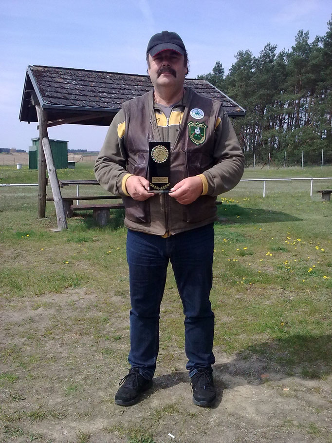 Frank Hügelow 1. Platz KK Langwaffe