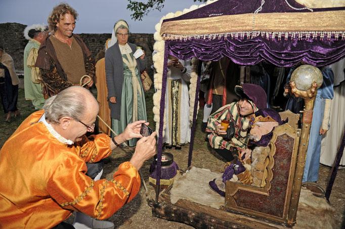 Rencontrez le Vieux Sage, lui serrer la  main