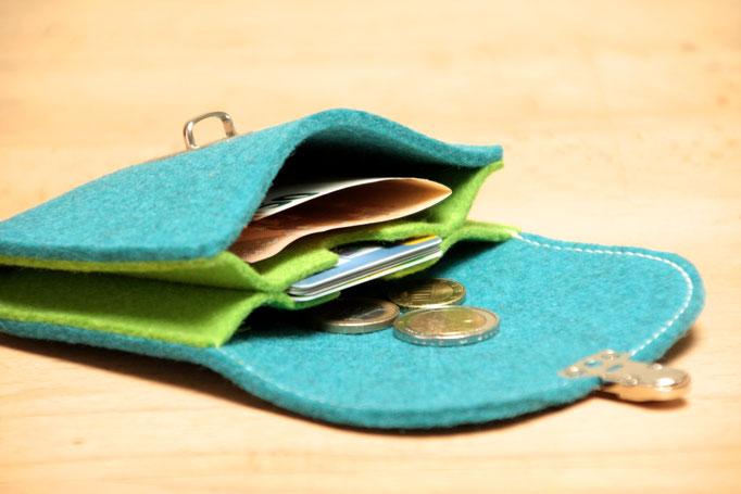 türkis-knallgrün, kleiner Geldbeutel aus Wollfilz 100% Wolle, ohne Plastik, biologisch abbaubar, in Deutschland handgefertigt