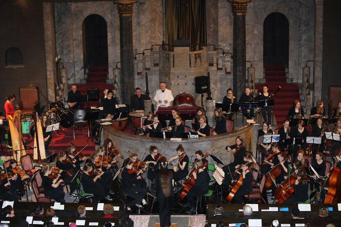 Feygele mit dem Kammerorchester Maria Stern in der Synagoge Augburg - Copyright (C) Feygele 2015.