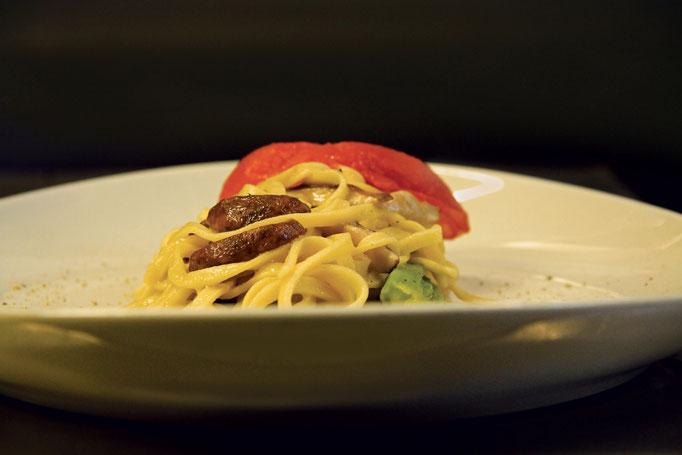 Pozzo Bianco - Birreria con cucina - Bergamo - Città Alta - Tagliolini di pasta fresca all'uovo con funghi porcini - Home Made