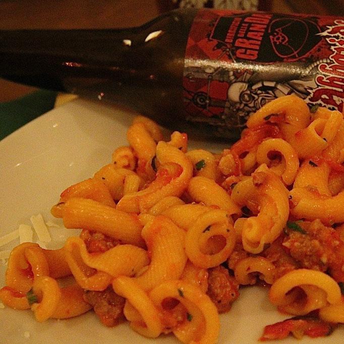 Pozzo Bianco - Birreria con cucina - Bergamo - Città Alta - Pasta con sugo alla salsiccia - Home Made