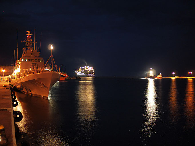 Rhodes nightlife, photo, 05-2011.