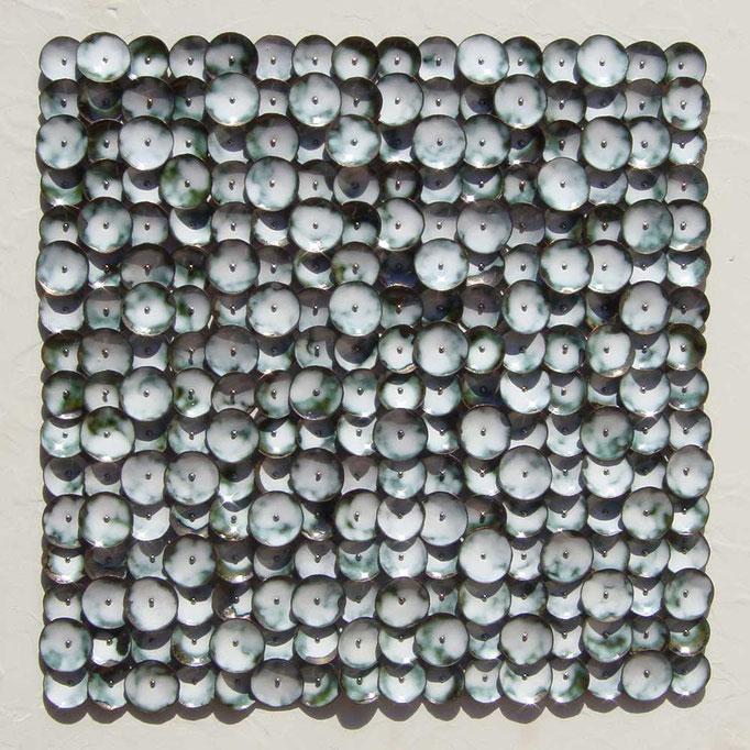 floración del fuego #1 • Wandskulptur 2014 • Kupfer, Emaille, Nägel, Holz, Acryl • 40 x 40 x 2 cm