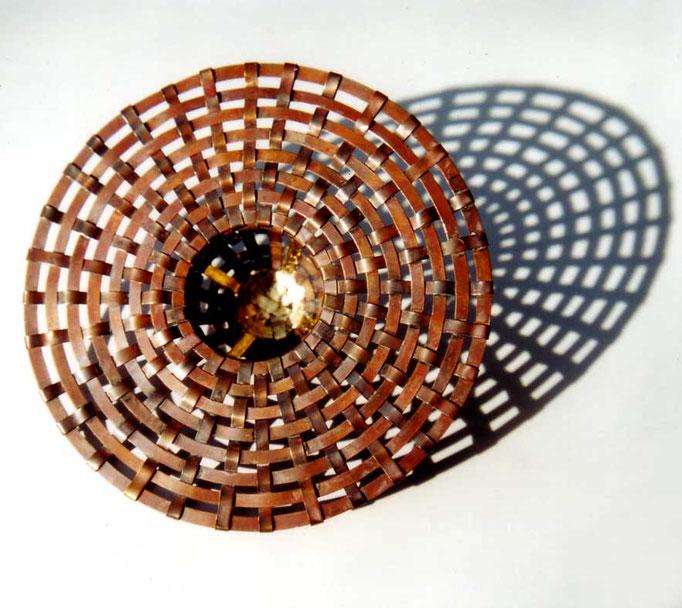 woven bowl • Skulptur 2005 • Kupfer, Blattgold