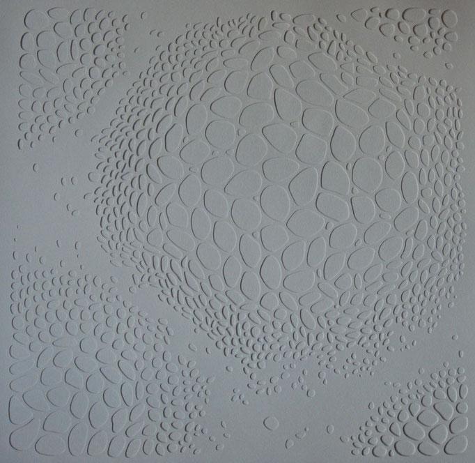 blanc sur blanc #2 • Scherenschnitt 2016 • Aquarellkarton, MDF-Platte, Magnete • 86 x 86 x 2 cm