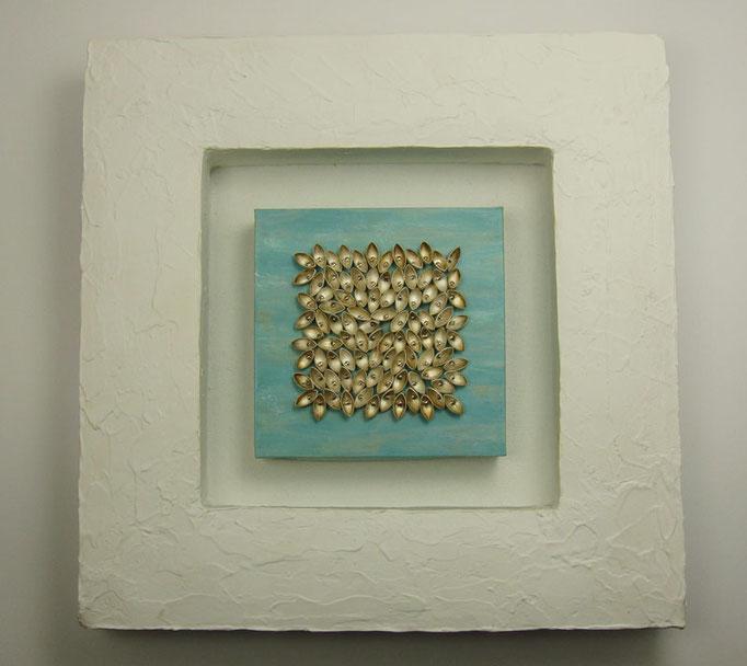 Navettchen • Wandskulptur 2009 • Silber, Gips, Holz, Pappe, Acryl, Leinwand, Edelstahl • 20 x 20 x 3,5 cm