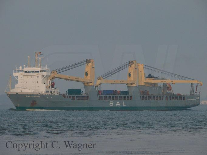 Heeavy Lift Vessel ANNE-Sofie auf der Elbe