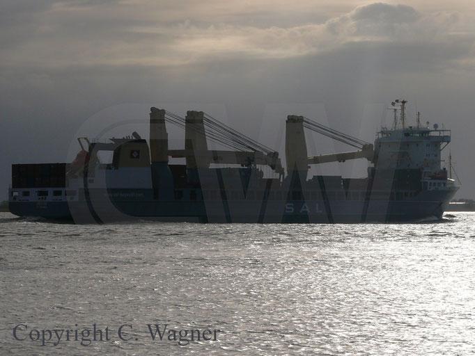 Heavy Lift Vessel REGINE auf der Elbe