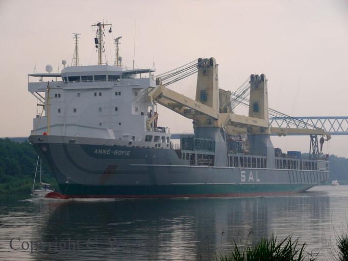 Heavy Lift Vessel ANNE-SOFIE im Nord-Ostsee Kanal